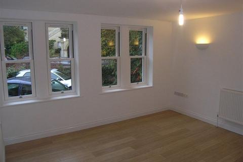 1 bedroom property to rent - Clifton Park, Clifton