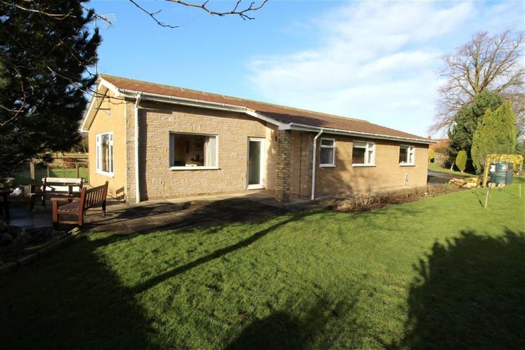 3 Bedrooms Detached Bungalow for sale in Main Street, Watton, East Yorkshire