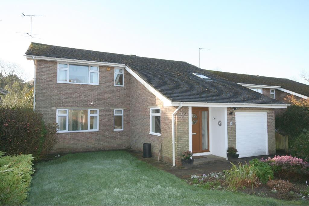 5 Bedrooms Detached House for sale in Batts Drive, Henfield