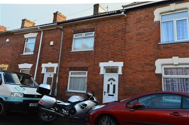 2 Bedrooms Terraced House for sale in Devonshire Street Bridgwater TA6