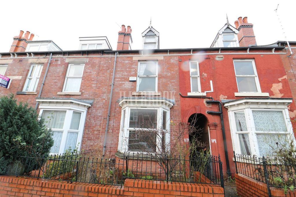 3 Bedrooms Terraced House for sale in Club Garden Road, Sharrow, S11