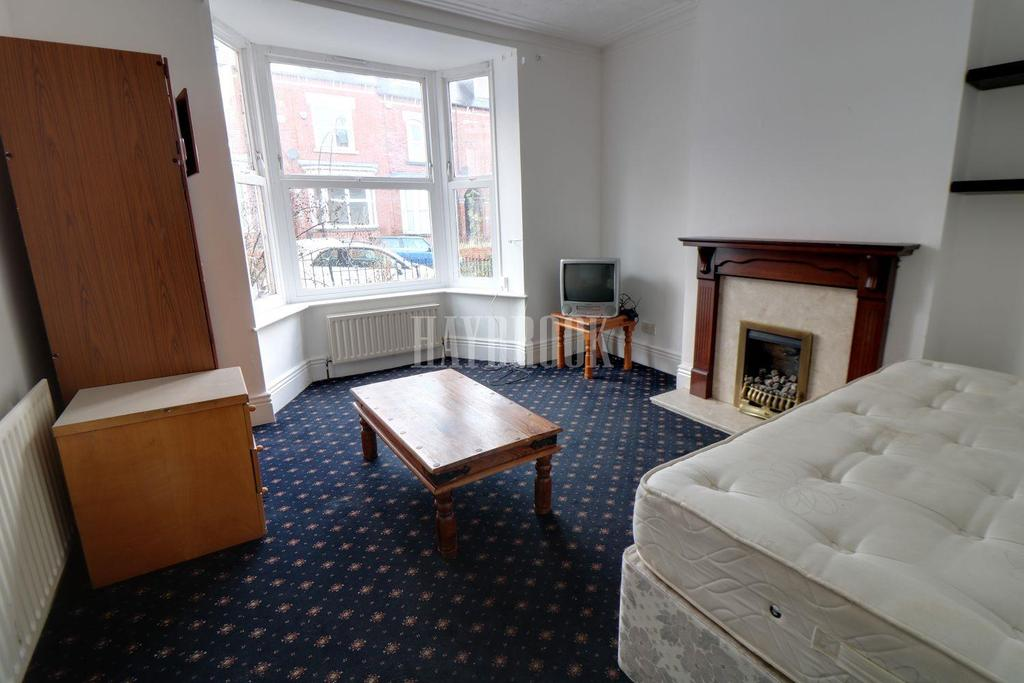 3 Bedrooms Terraced House for sale in Club Garden Road, Sharrow, S11