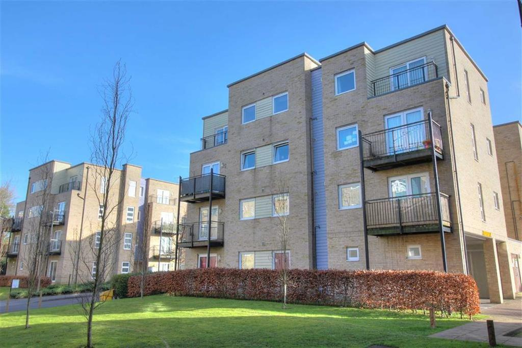1 Bedroom Flat for sale in Hut Farm Place, Chandlers Ford, Hampshire