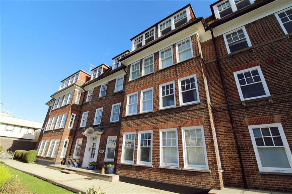 3 Bedrooms Apartment Flat for sale in Rochester Close, Hove, East Sussex