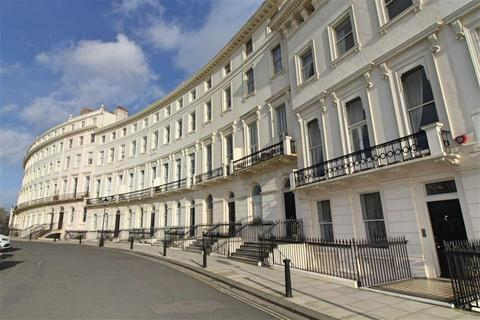 2 bedroom apartment for sale - Adelaide Crescent, Hove, East Sussex
