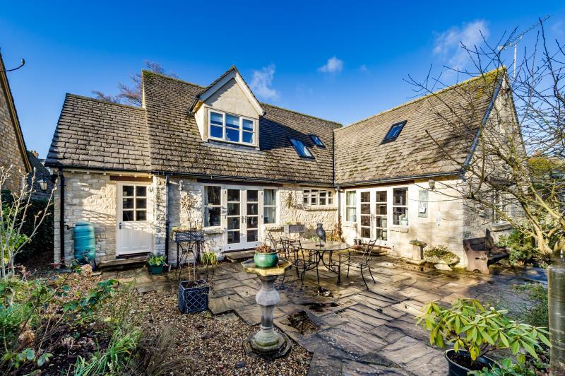 3 Bedrooms Detached House for sale in Manor Road, Woodstock, Oxfordshire