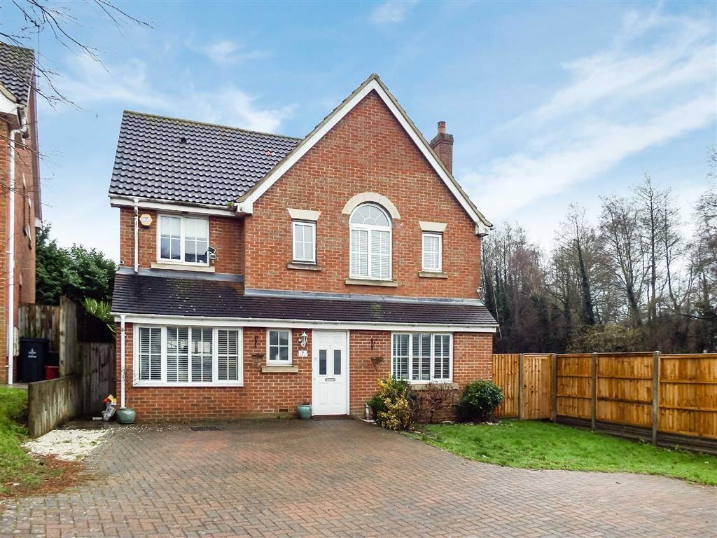 4 Bedrooms Detached House for sale in Tates Way, Stevenage, Hertfordshire, SG1