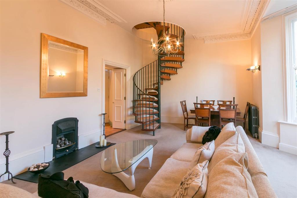2 Bedrooms Maisonette Flat for rent in Granville Road, Jesmond, Newcastle Upon Tyne