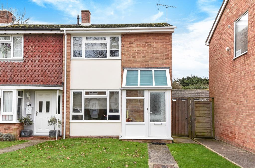 2 Bedrooms Semi Detached House for sale in Outerwyke Gardens, Felpham, Bognor Regis, PO22
