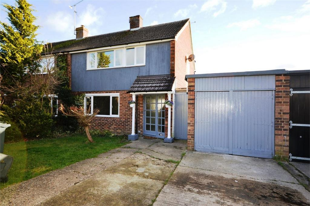 3 Bedrooms Semi Detached House for sale in Rochelle Close, Thaxted, Dunmow