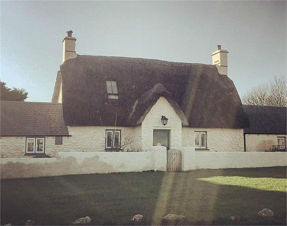 3 Bedrooms Cottage House for sale in The Green, Marloes, Haverfordwest, Pembrokeshire