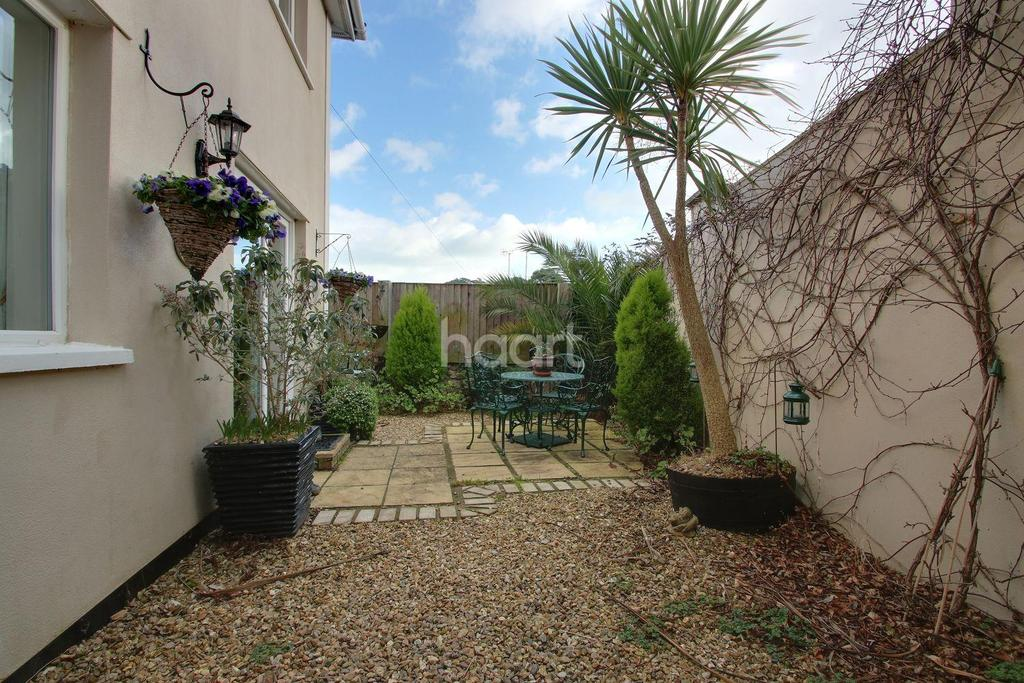 4 Bedrooms Detached House for sale in Wellesley Road, Torquay