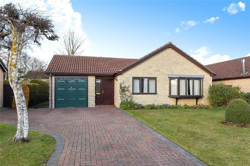 3 Bedrooms Detached Bungalow for sale in Ancaster Drive, Sleaford, NG34