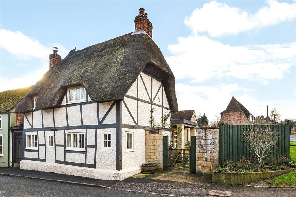 3 Bedrooms Detached House for sale in High Street, Broughton, Stockbridge, Hampshire, SO20