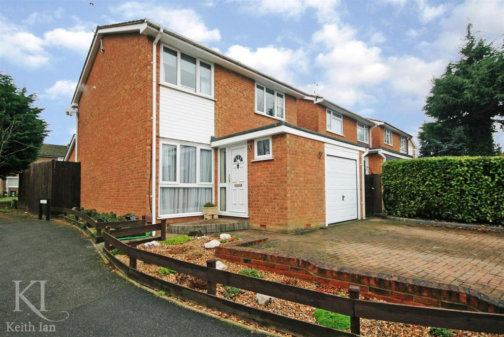 3 Bedrooms Detached House for sale in Greenhills, Ware