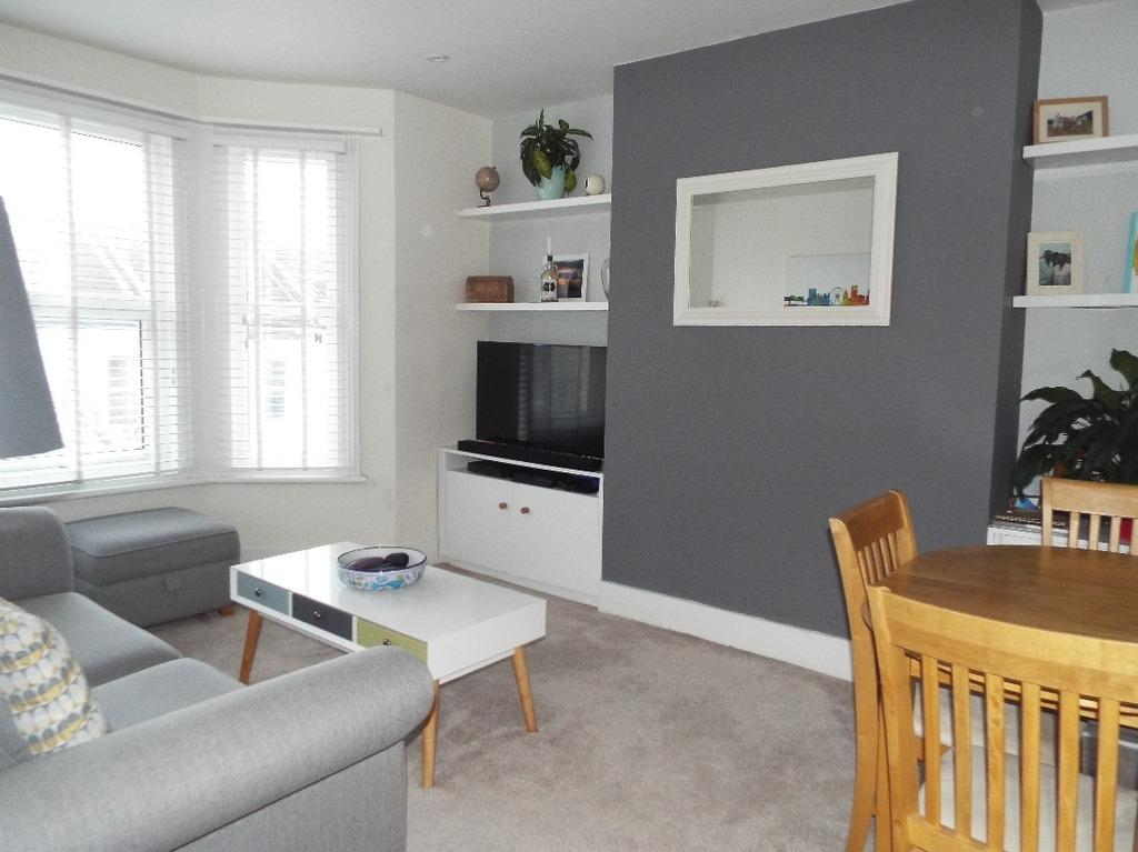2 Bedrooms Flat for sale in Westbourne Street Hove East Sussex BN3