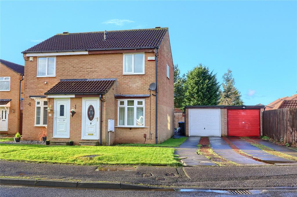 2 Bedrooms Semi Detached House for sale in Cedarwood Glade, Stainton