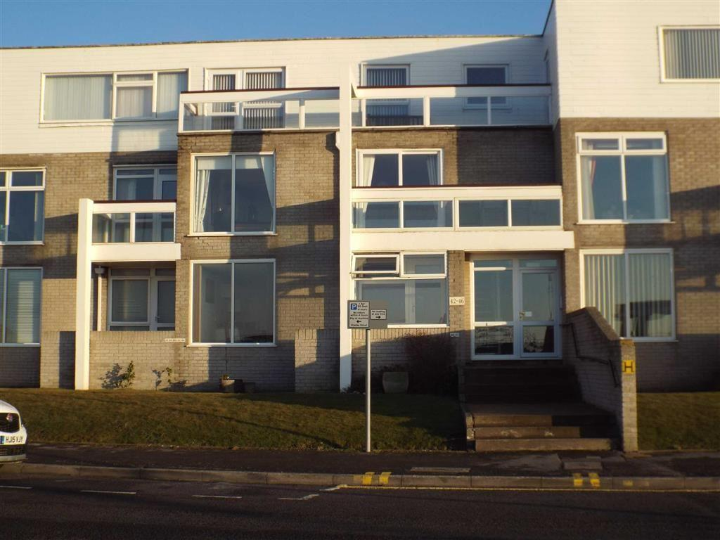 3 Bedrooms Flat for sale in Quantock Court, South Esplanade, Burnham On Sea
