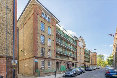 2 bedroom flat for sale - Seaford House, Swan Road, London, SE16