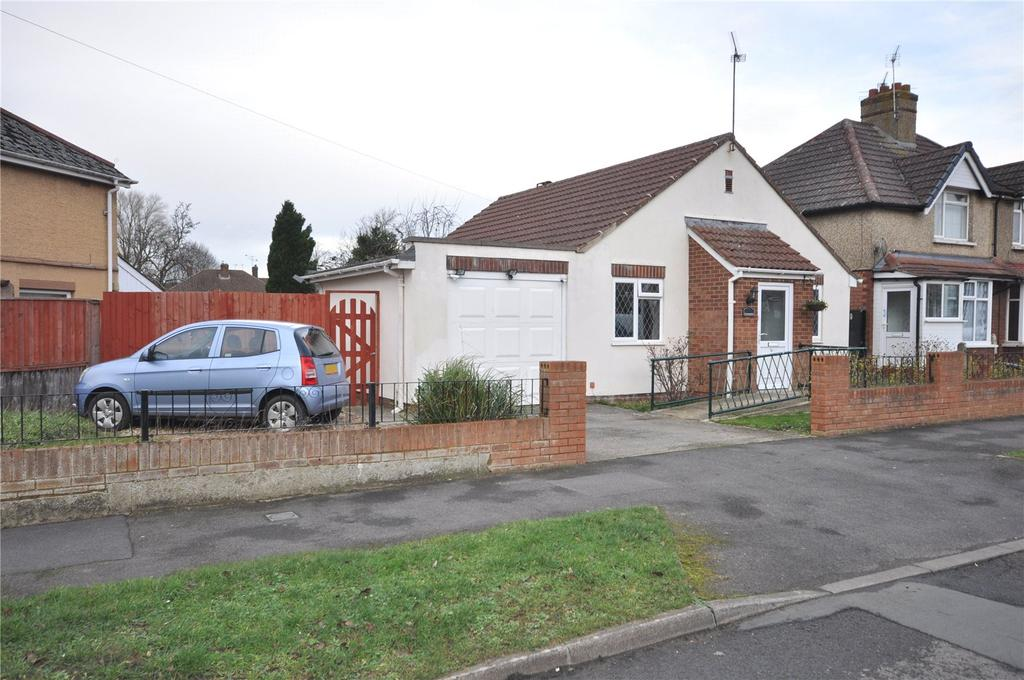 2 Bedrooms Detached Bungalow for sale in Fairford Crescent, Swindon, Wiltshire, SN25