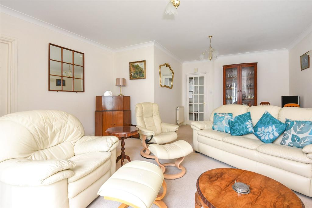 2 Bedrooms Apartment Flat for sale in Preston, Weymouth, Dorset