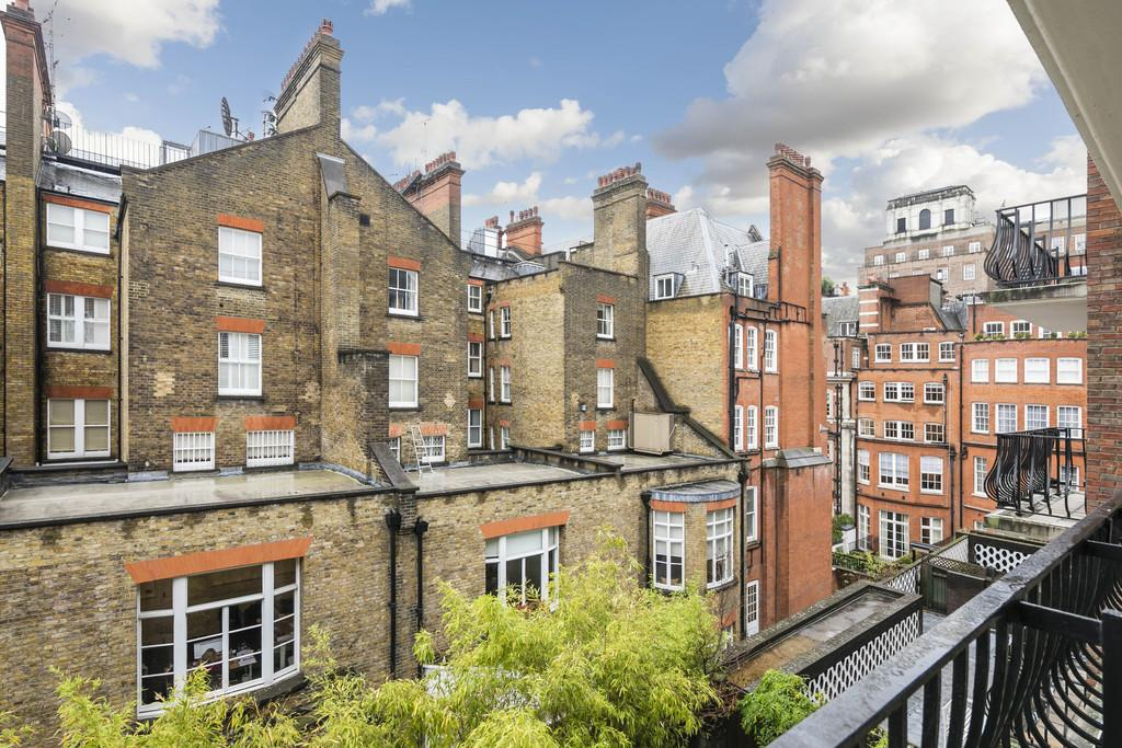 2 Bedrooms Flat for sale in 12-14 Reeves Mews, London, W1K