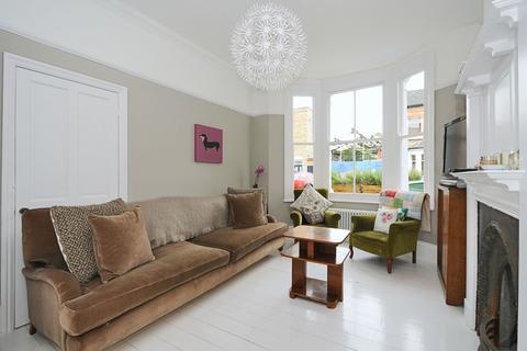4 bedroom house to rent - Shawbury Road London SE22