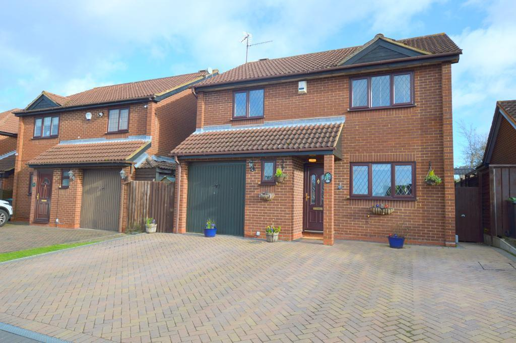 4 Bedrooms Detached House for sale in Statham Close, Luton, LU3 4EJ