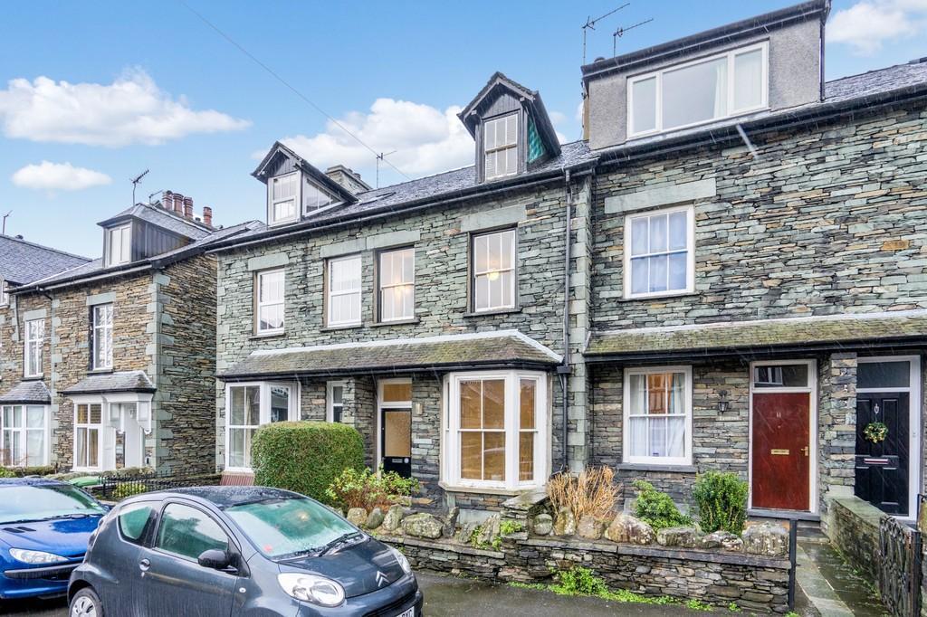4 Bedrooms Terraced House for sale in Oak Royd, 12 Millans Park, Ambleside Cumbria LA22 9AG