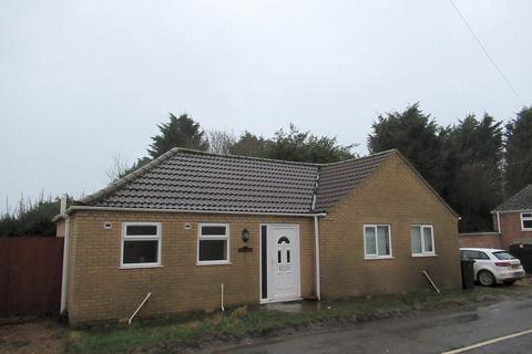 2 bedroom detached bungalow to rent - Walnut Road, Walpole St Peter
