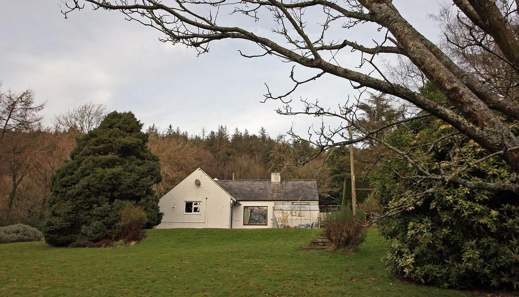 2 Bedrooms Cottage House for sale in Pentraeth, North Wales
