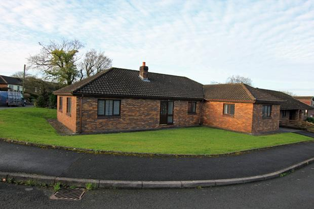 4 Bedrooms Detached Bungalow for sale in Maesglasnant, Cwmffrwd, Carmarthen, Carmarthenshire