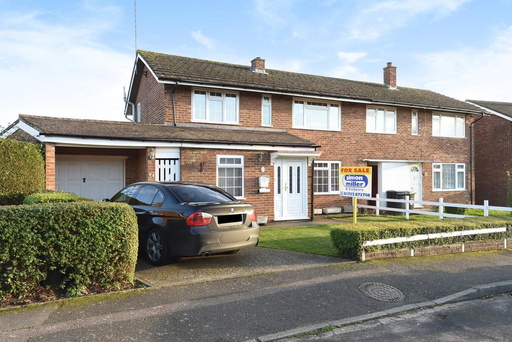 3 Bedrooms Semi Detached House for sale in Plover Road, Larkfield