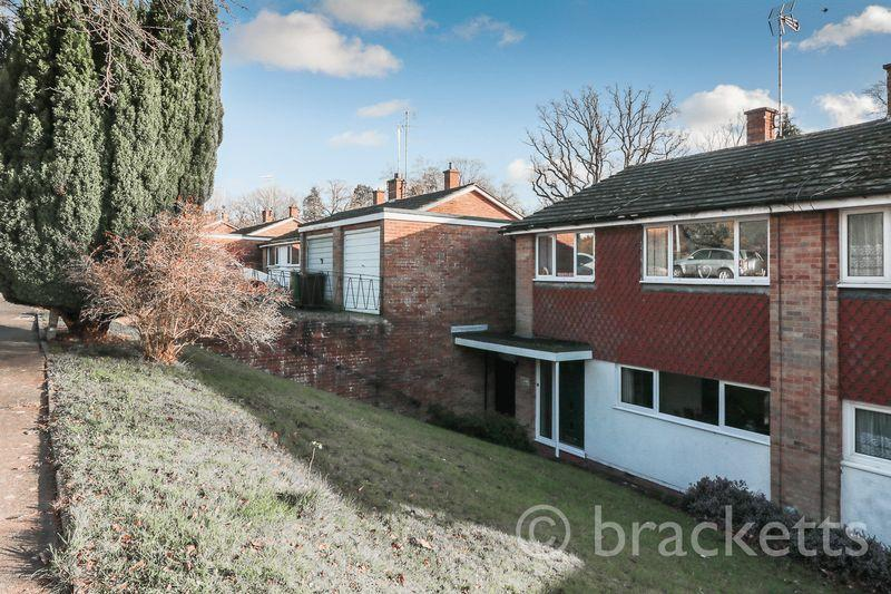 3 Bedrooms Semi Detached House for sale in Coniston Avenue, Tunbridge Wells