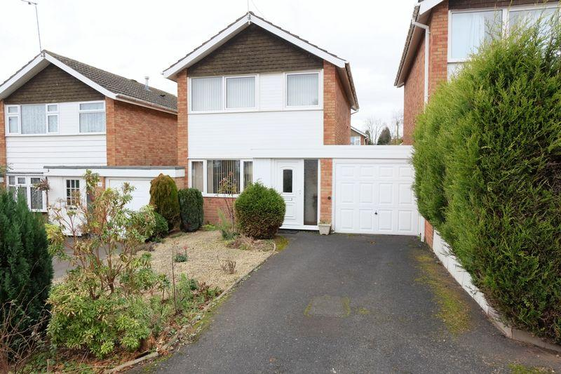 3 Bedrooms Link Detached House for sale in Ruskin Avenue, Kidderminster DY10 3XQ