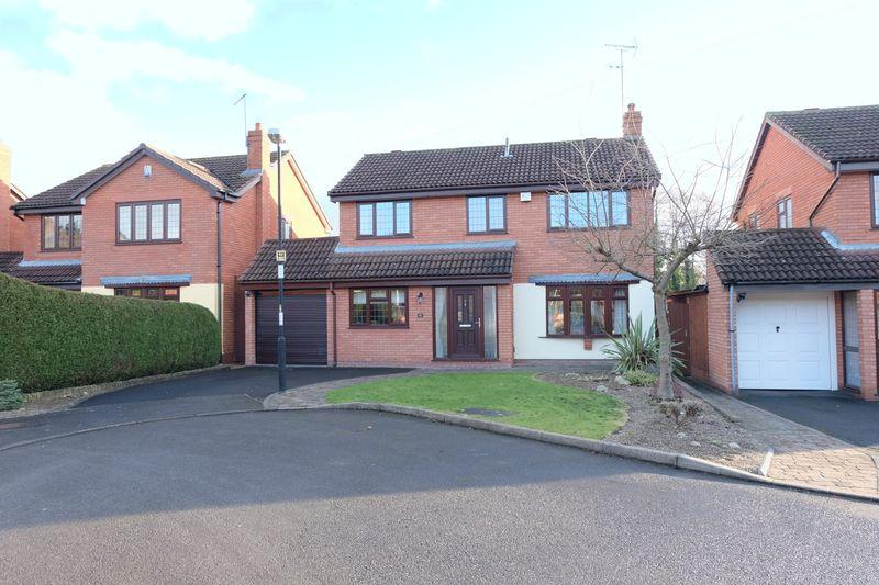 4 Bedrooms Detached House for sale in Barnetts Close, Kidderminster DY10 3DG