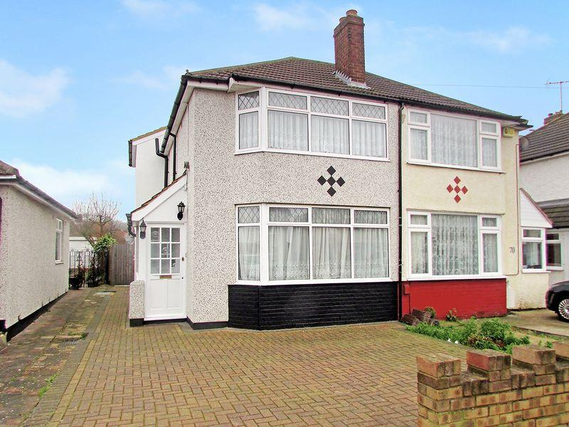 3 Bedrooms Semi Detached House for sale in St. Audrey Avenue, Bexleyheath