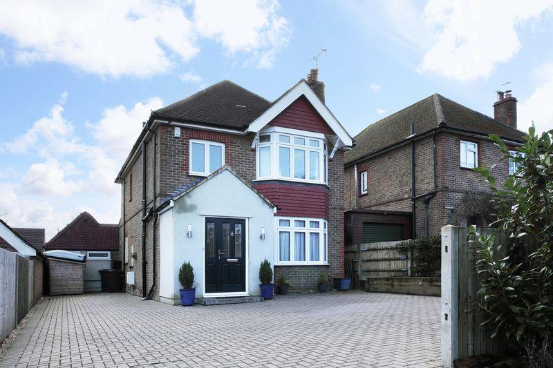 4 Bedrooms Detached House for sale in Eridge Road, Crowborough, East Sussex