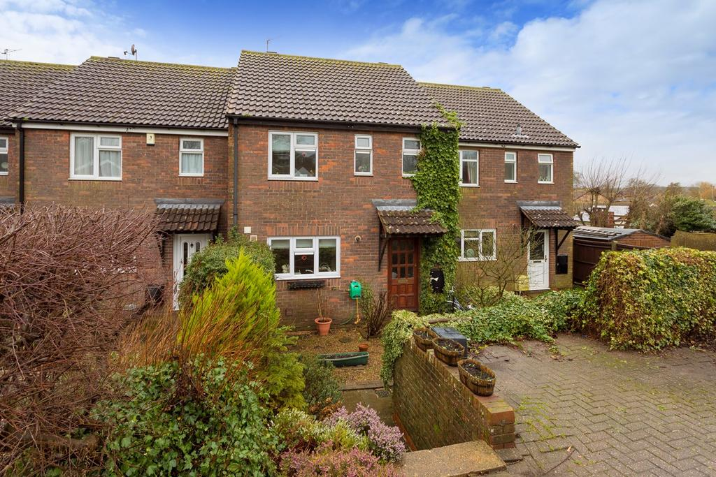 3 Bedrooms Terraced House for sale in Greenbanks, Lyminge, Folkestone, CT18