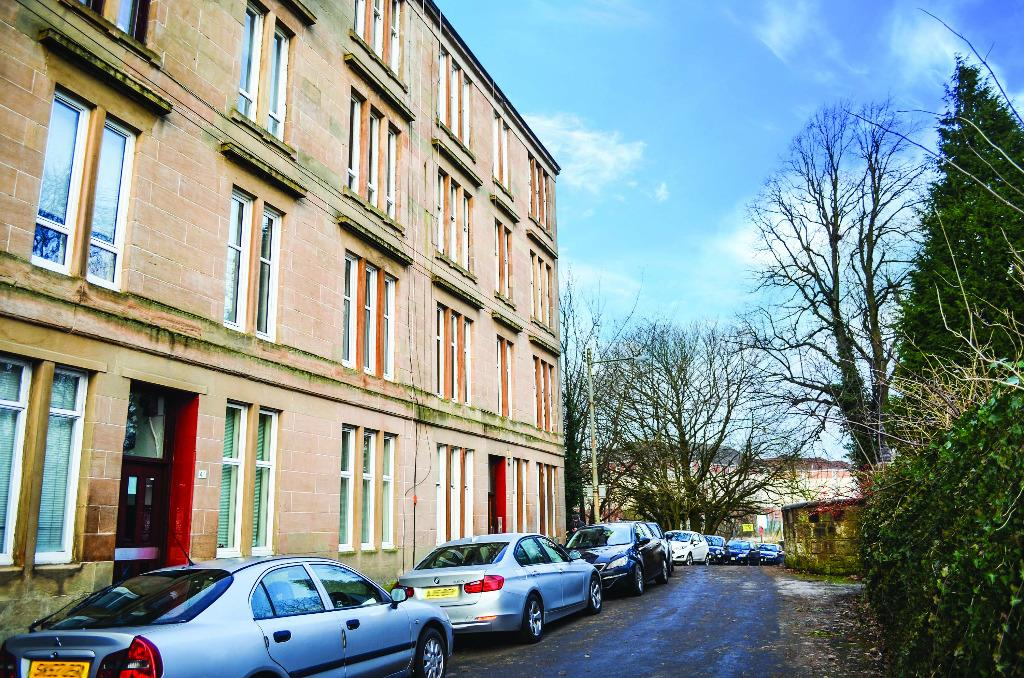 1 Bedroom Flat for sale in Kilmailing Road, Flat 3/1, Cathcart, Glasgow, G44 5UH