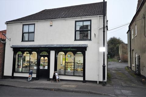 3 bedroom townhouse for sale - High Street, Epworth, Doncaster