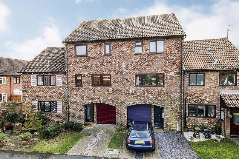 4 Bedrooms Terraced House for sale in Rustington