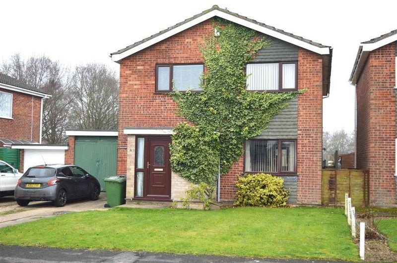 3 Bedrooms Detached House for sale in Lewis Close Ashill