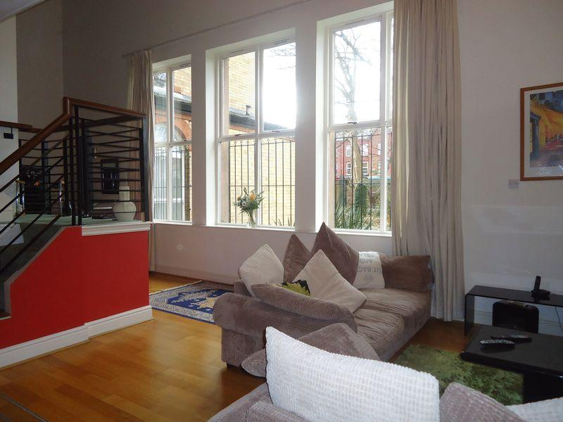 2 Bedrooms Apartment Flat for sale in Aigburth Drive, Liverpool