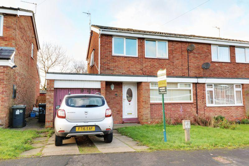 3 Bedrooms Semi Detached House for sale in Priory Crescent, Ulceby