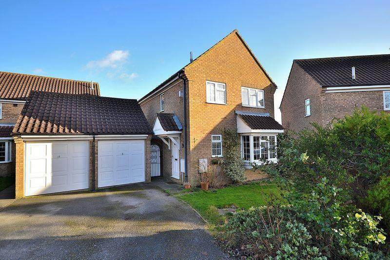 3 Bedrooms Detached House for sale in Fyne Drive, Linslade
