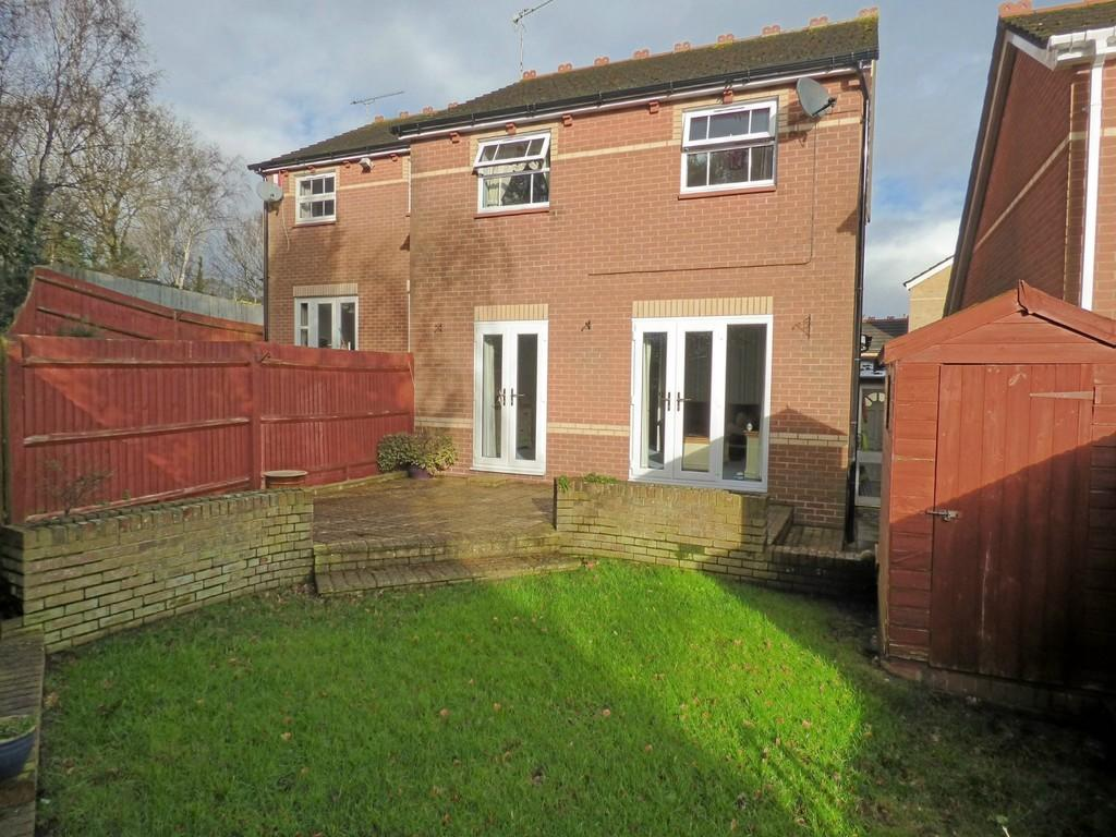 3 Bedrooms Semi Detached House for sale in Chilfrome Close, Canford Heath