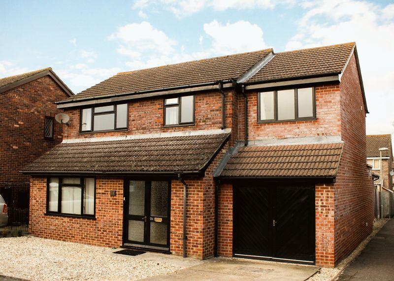 4 Bedrooms Detached House for sale in Brunel Crescent, Wantage