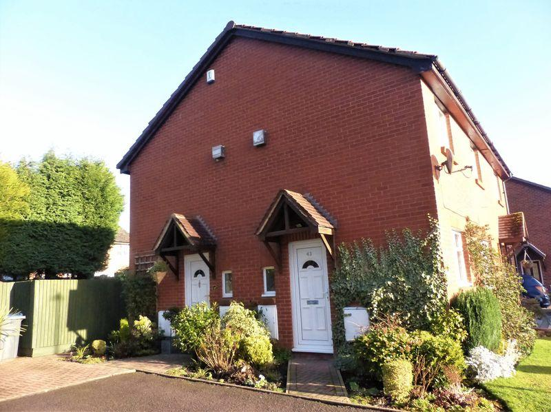 1 Bedroom Terraced House for sale in Carters Close, Sutton Coldfield
