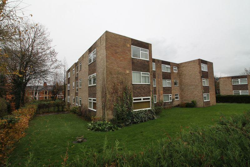 2 Bedrooms Apartment Flat for sale in Downing Close, Prenton